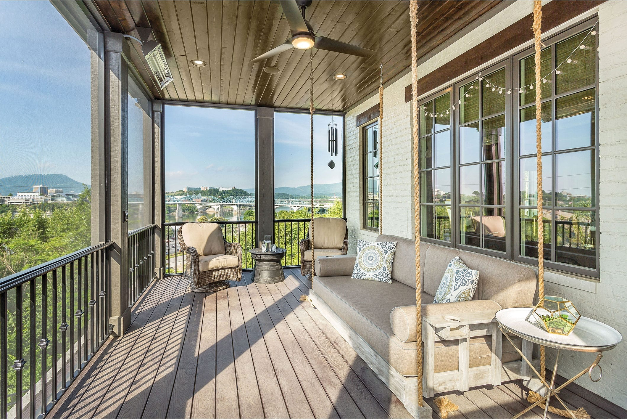 front-porch-of-home-on-the-northshore