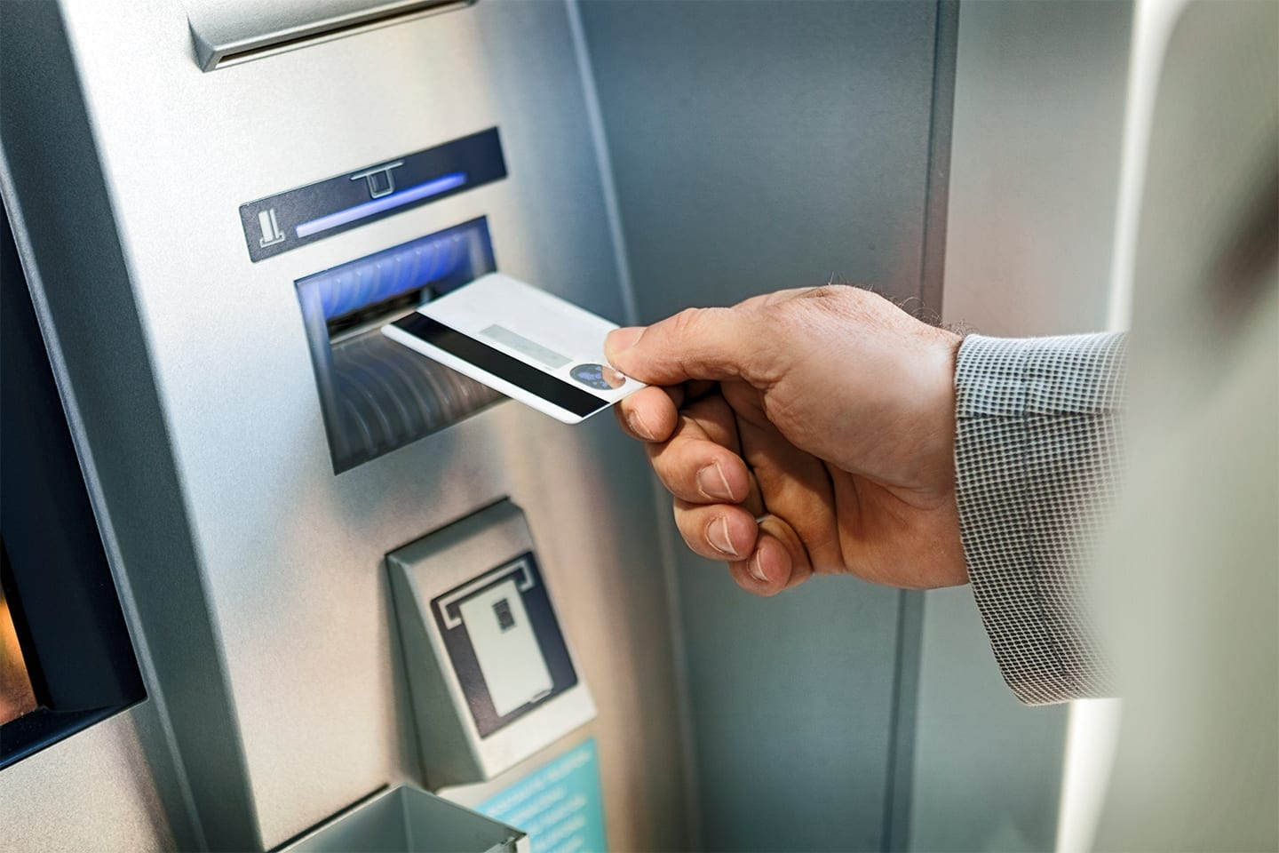 Man-Using-ATM.RightColumn2