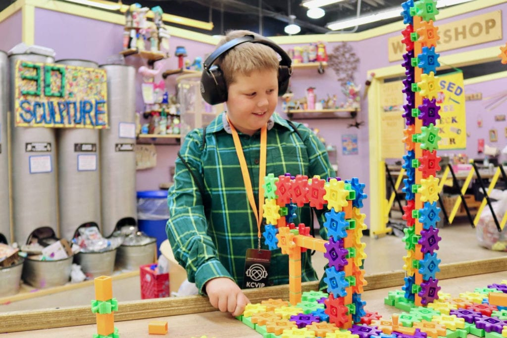 sensory sensitive child at the creative discovery museum